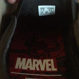 vans Shoes - Marvel vans size 7.5 new